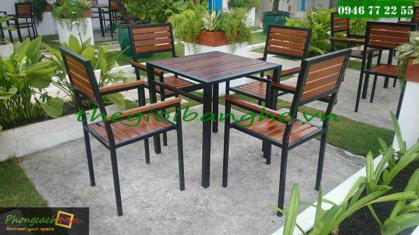bộ bàn ghế cafe ngoài trời MN25 tại UEH Cafe