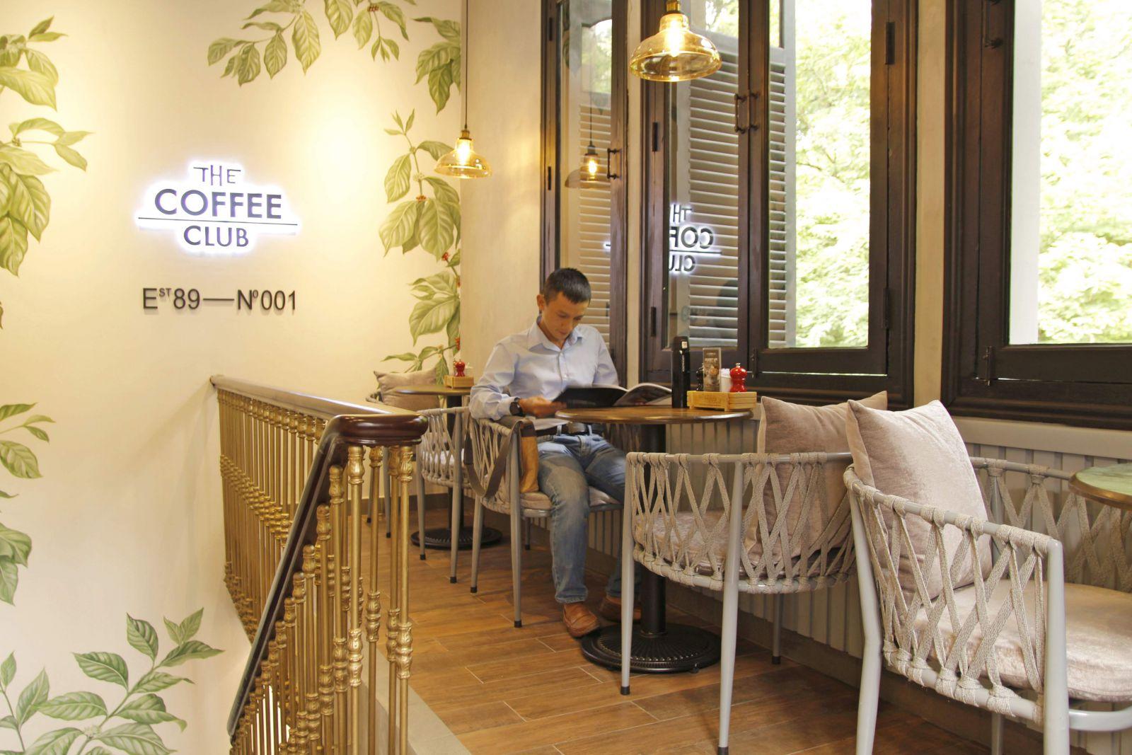 khong-gian-noi-that-quan-cafe-the-coffee-club-tai-quan-1-tphcm
